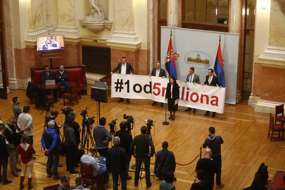 Почело ванредно заседање Скупштине Србије, посланици СзС бојкотују рад парламента 4