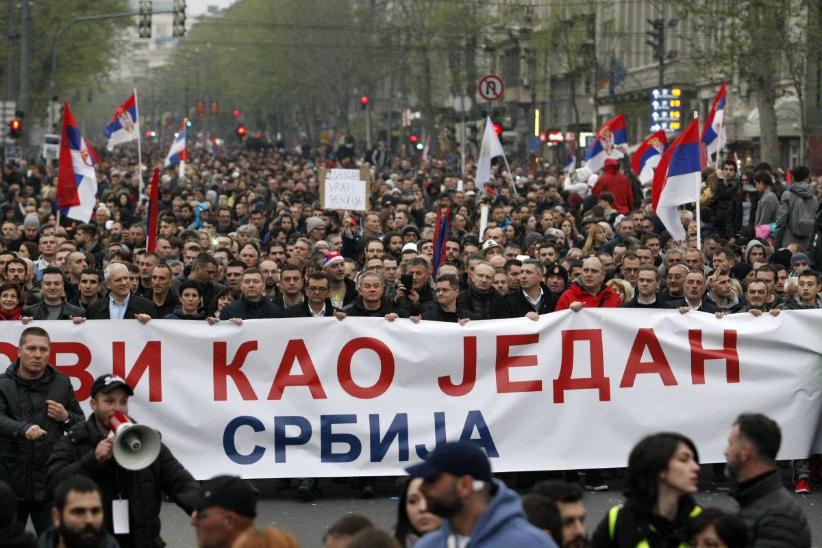 """Београд: У току протест """"Један од пет милиона"""" и шетња до РТС 5"""