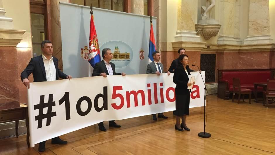 Почело ванредно заседање Скупштине Србије, посланици СзС бојкотују рад парламента 2