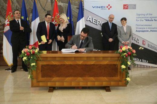 Он је нагласио да је ова година најбоље почела за Француску и Србију јер је  српска влада одлучила да додели концесију за београдси аеродром