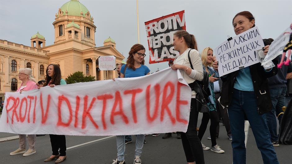 "Résultat de recherche d'images pour ""protesti protiv predsednika Aleksandra Vučića"""