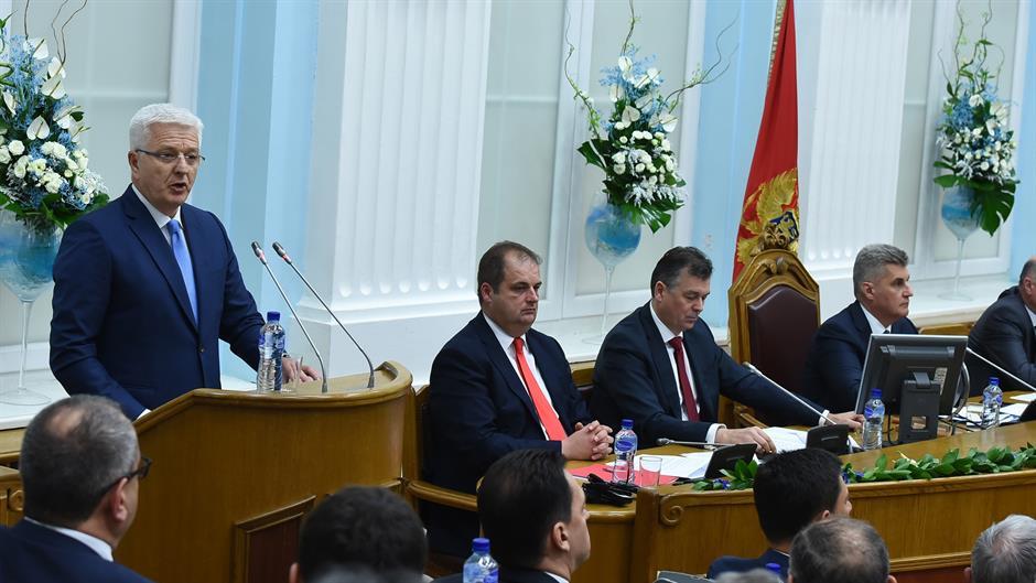 Скупштина Црне Горе одлуком 46 присутних посланика донела одлуку о уласку у НАТО; Опозиција: Како је изгласано, тако ће и бити укинуто
