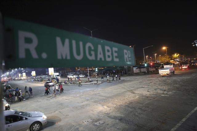 Зимбабве: Тенкови у Харареу, војници заузели државну телевизију ЗБЦ, чуле се најмање три експлозије, на друштвеним мрежама објављено да је почео пуч
