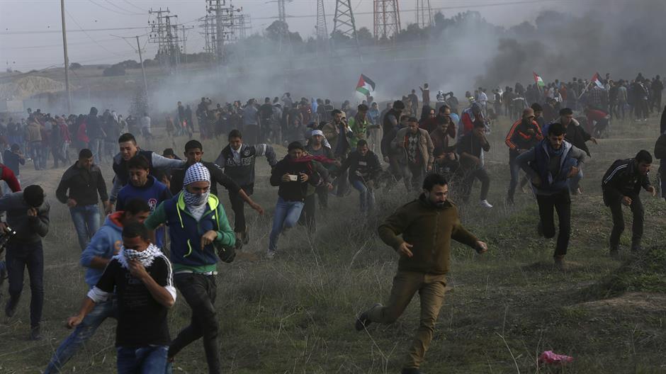 Четири Палестинца погинула, више рањених у демонстрацијама широм Западне обале и дуж израелске границе с појасом Газе