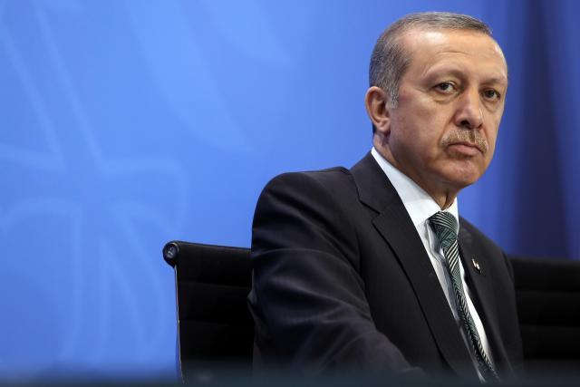 ➦Реџеп Тајип Ердоган: Циљ напада у Истанбулу је стварање хаоса у Турској ➦ Истанбул: Најмање 39 људи је убијено, а 69 рањено у оружаном нападу на ноћни клуб