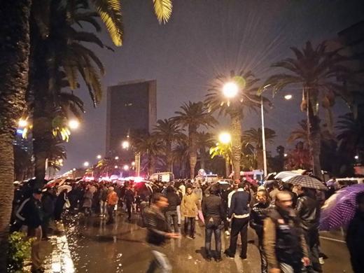 Тунис: Експлозија у аутобусу који је превозио припаднике председничке гарде, погинуло најмање 11 људи